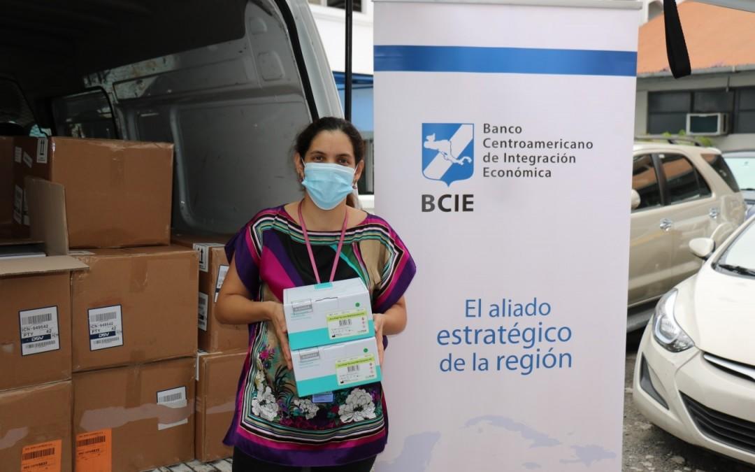 Gobierno panameño recibe donación de  50 mil unidades de extracción para detectar coronavirus